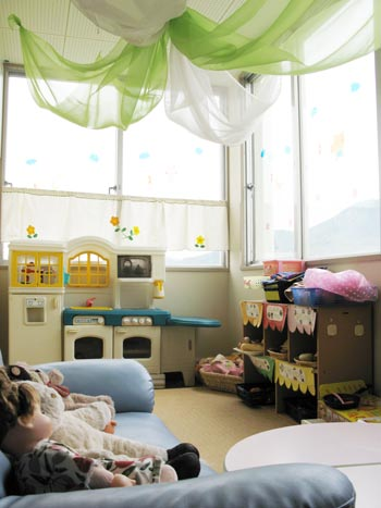 山口県防府市の幼稚園 玉祖幼稚園(たまのやようちえん)施設案内 二階ホール
