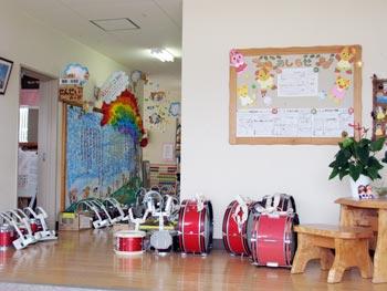 山口県防府市の幼稚園 玉祖幼稚園(たまのやようちえん)施設案内  玄関ホール