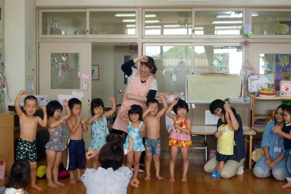 山口県防府市の幼稚園 玉祖幼稚園(たまのやようちえん)子育て支援  にこにこ元気っ子クラ 平成27年7月にこにこ元気っ子クラブ