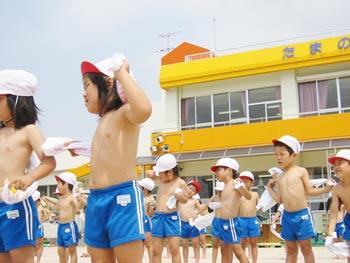 山口県防府市の幼稚園 玉祖幼稚園(たまのやようちえん)カリキュラム 体力づくり 乾布摩擦